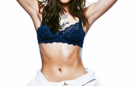 צפו: שלומית מלכה מצטלמת למגזין אופנה ולא חוסכת מאיתנו כלום